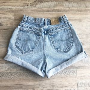 Vintage High Waisted Cut Off Lee Jean Shorts!